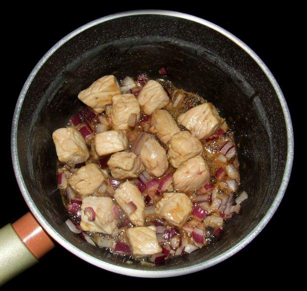 caramelisation des éléments du porc au caramel vietnamien